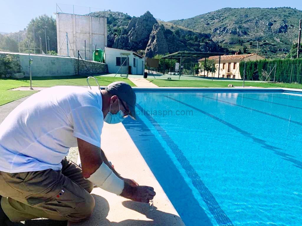 El Ayuntamiento de Confrides / L'Abdet abre la piscina municipal con rigurosas medidas sanitarias en prevención de la COVID-19