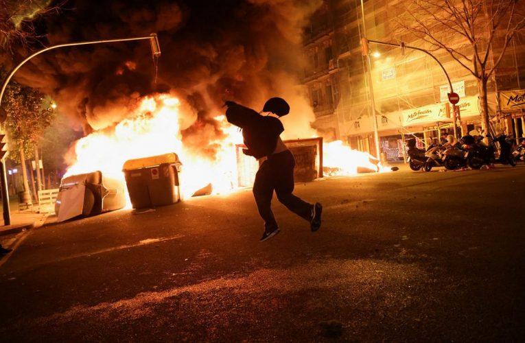 Benidorm muestra su respaldo a las Fuerzas y Cuerpos de Seguridad y condena los actos violentos en apoyo a Pablo Hasél