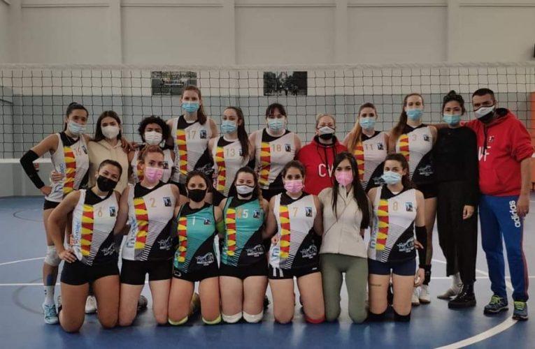 Las senior del Club Voleibol Finestrat se juegan el título de campeonas autonómicas
