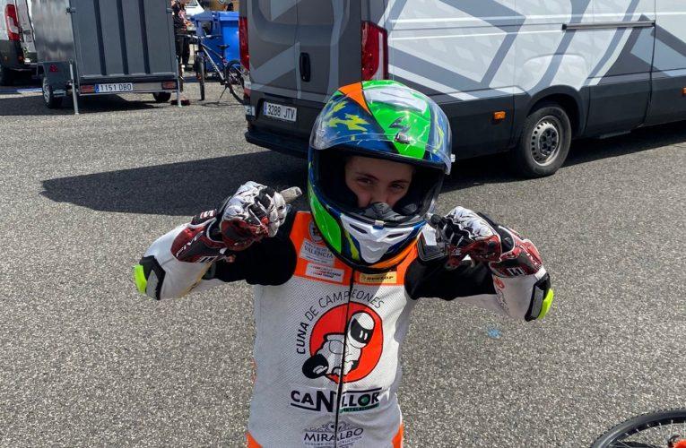 Oliver Cantos, la joven promesa del motociclismo finestratense
